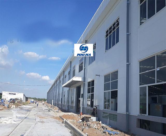 Công trình lắp đặt cửa sổ nhôm xingfa kèm fix giá rẻ cho nhà xưởng