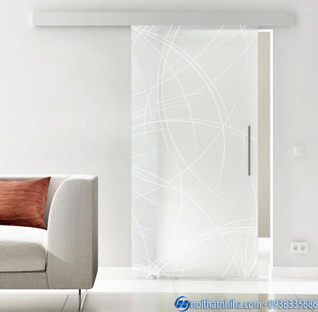 Mẫu cửa kính cường lực 1 cánh mở lùa phòng khách