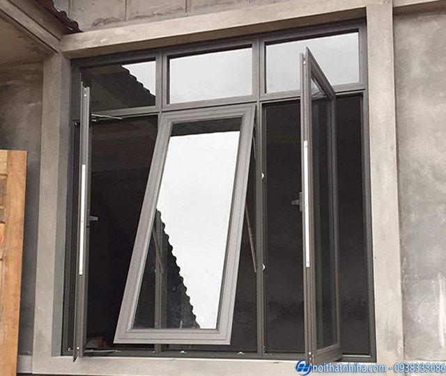 Thiết kế cửa sổ mở quay kết hợp mở hất chống hắt mưa