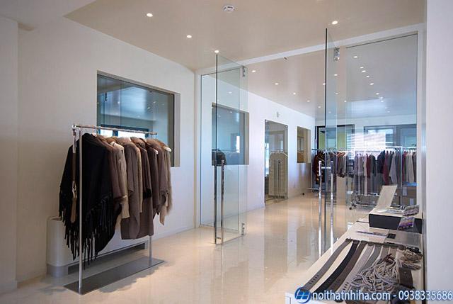 Mẫu cửa kính thủy lực cửa hàng quần áo