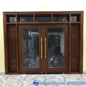 Mẫu cửa gỗ 2 cánh kính cường lực