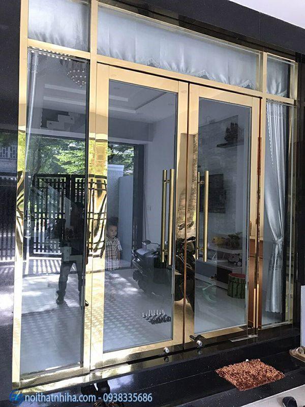 Cửa kính inox vàng gương