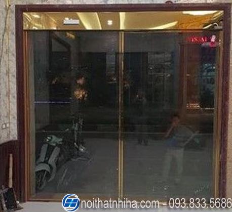 cửa kính tự động inox gương vàng