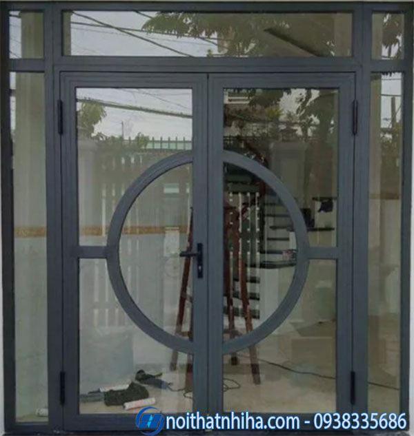 Cửa chính nhôm xingfa - mẫu cửa họa tiết chia ô