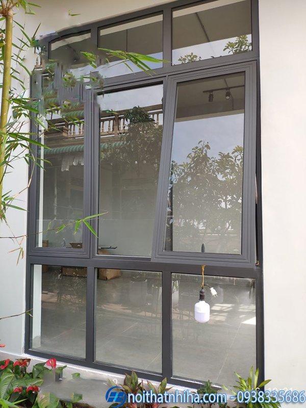 Cửa nhôm Xingfa màu xám ghi - cửa sổ mở hất