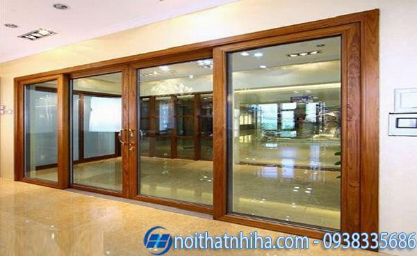 cửa nhôm kính 4 cánh vân gỗ cửa đi mặt tiền mở trượt