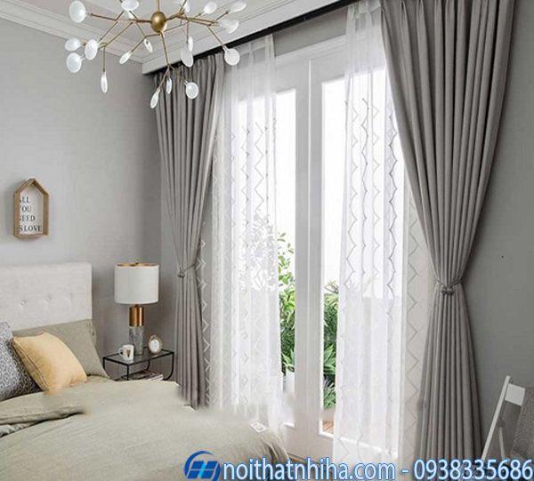 Cửa phòng ngủ nhôm xingfa màu trắng cho người mệnh kim