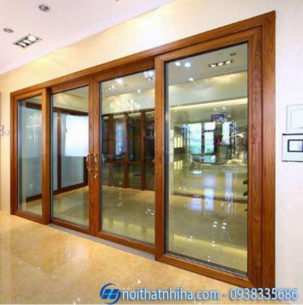 Mẫu cửa chính nhôm xingfa vân gỗ đẹp cổ điển