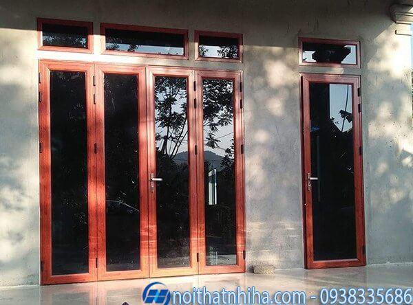 cửa nhôm kính 4 cánh vân gỗ Việt pháp hiện đại
