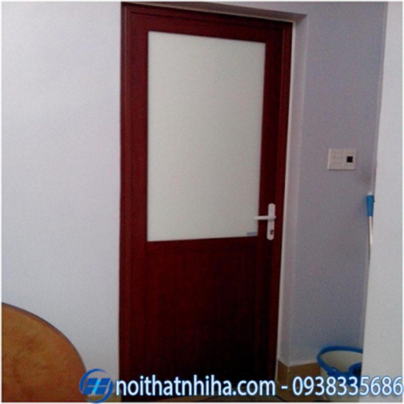cửa nhôm vân gỗ đông á-5