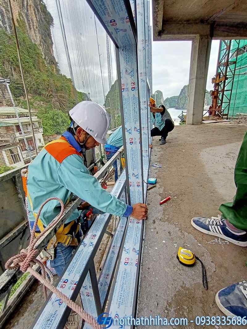 Thi công vách mặt dựng nhôm Việt Pháp