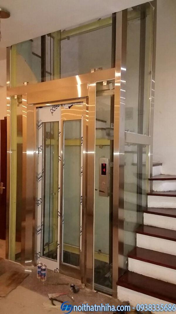 Vách kính thang máy gia đình sang trọng, đẳng cấp