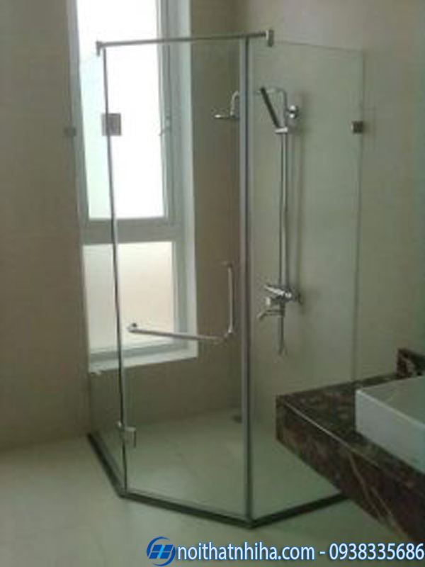 Vách kính phòng tắm vát 135 độ