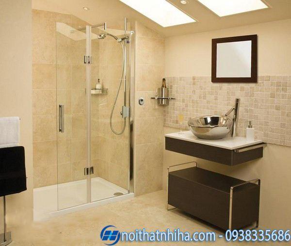 Vách kính phòng tắm thẳng 180 độ