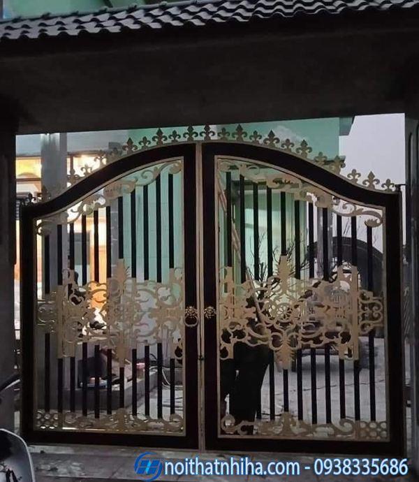 Mẫu cửa cổng sắt 2 cánh đẹp đơn giản