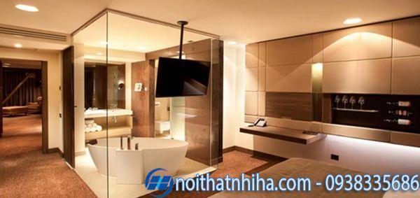 Phòng tắm kính trong phòng ngủ rộng