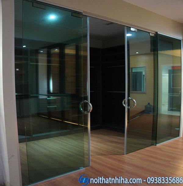 cửa kính lùa màu xanh