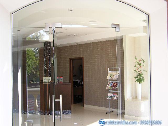 Cửa kính cường lực tại Vĩnh Phúc