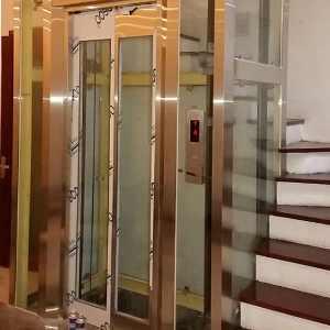 Vách kính thang máy