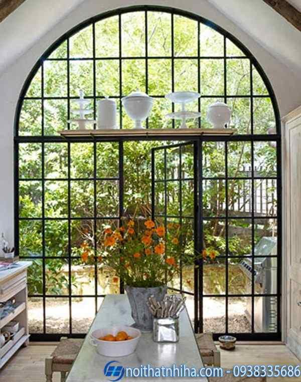 Mẫu cửa kính khung sắt uốn vòm nghệ thuật