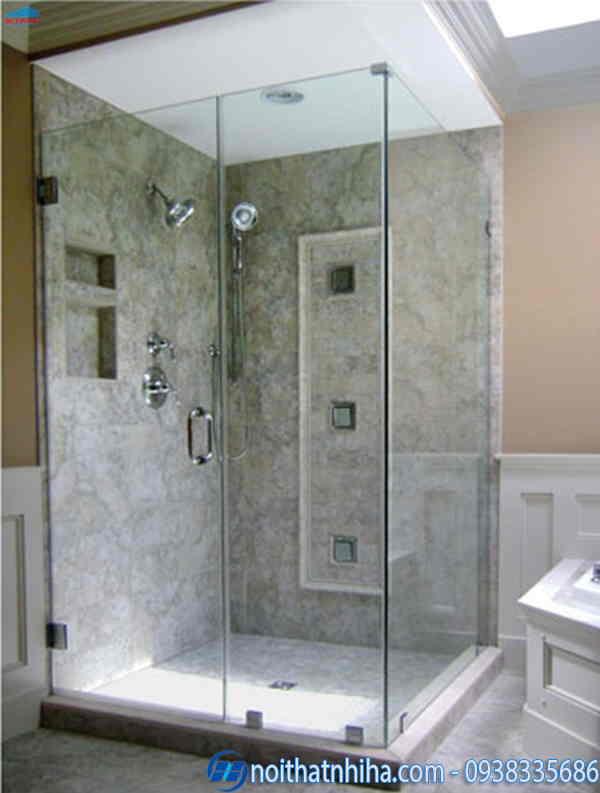 Phòng tắm kính vuông tiết kiệm diện tích