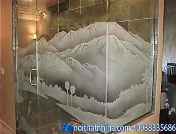 Phòng tắm kính hoa văn