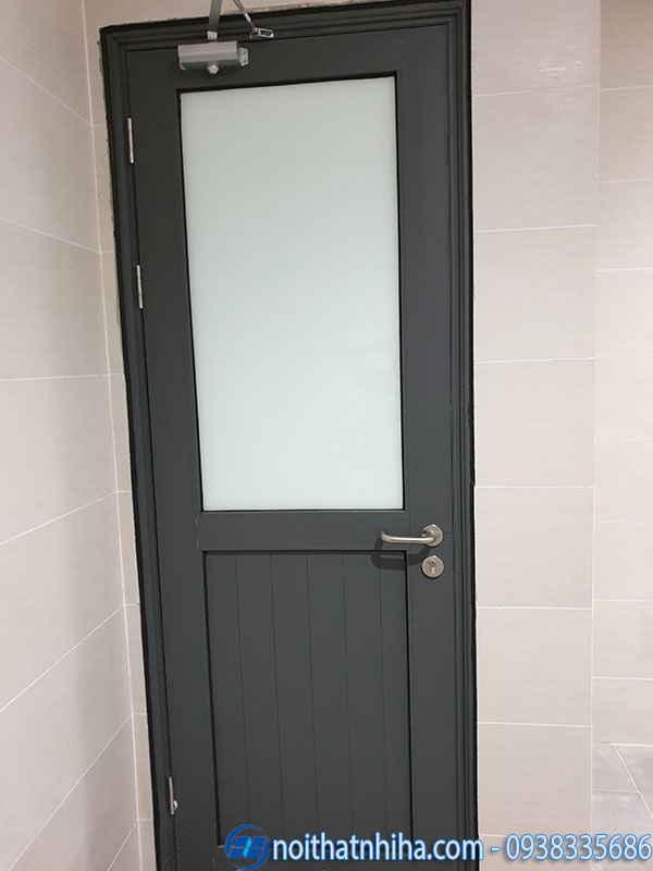 Cửa nhôm kính 1 cánh phòng ngủ pano màu ghi xám