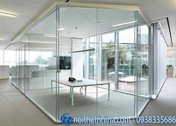 Mẫu cửa kính khung sắt sơn tĩnh điện màu trắng