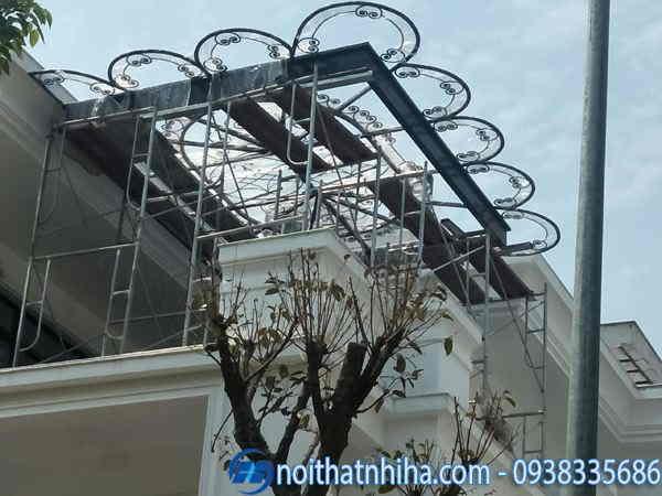 Mái kính sân thượng khung sắt nghệ thuật