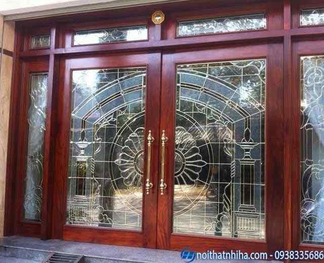 mẫu cửa kính cường lực phòng khách khung gỗ