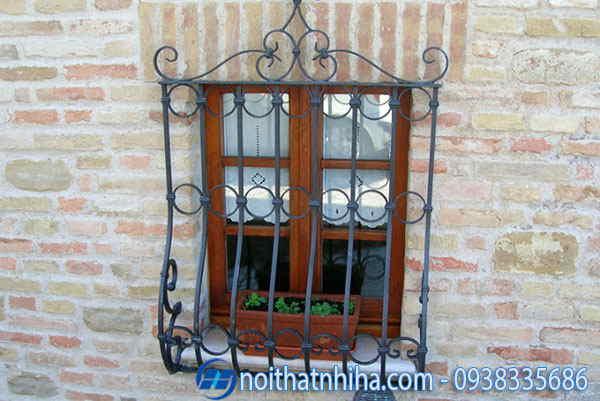 khung bảo vệ cửa sổ lắp đặt bên ngoài