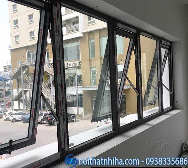 Cửa sổ 3 cánh mở hất có vách fix