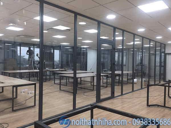 Vách kính cố định nhôm xingfa cho văn phòng làm việc