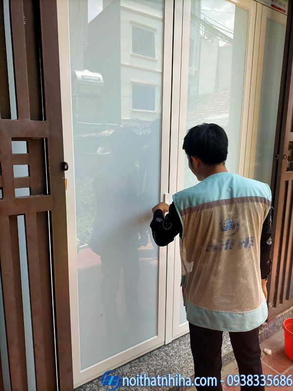 Thi công lắp đặt cửa nhôm Xingfa hệ 55
