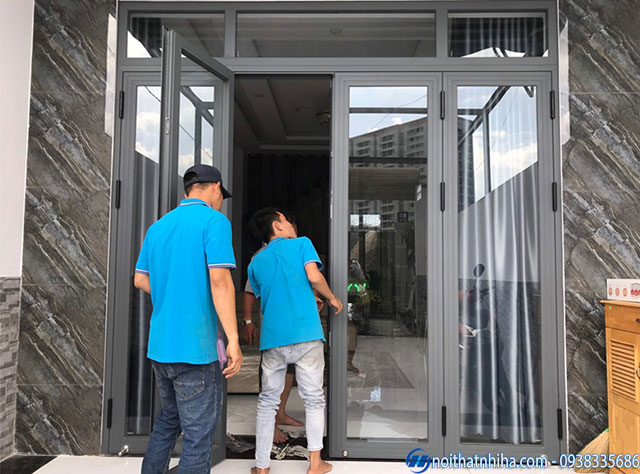 cửa đi mở quay nhôm xingfa