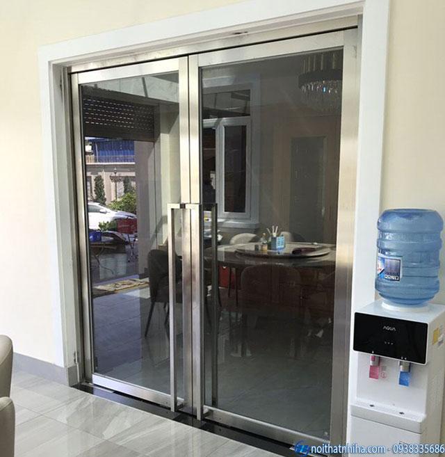 Cửa kính cường lực khung inox