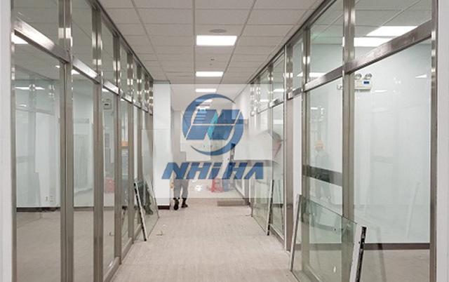 Công trình vách cửa kính cường lực khung inox