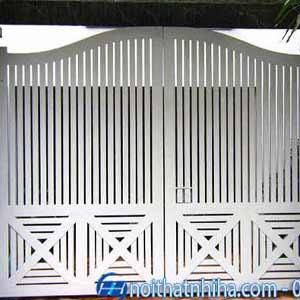 cửa sắt 4 cánh sơn tĩnh điện