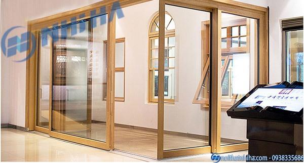 Vách kính khung gỗ phòng ngủ
