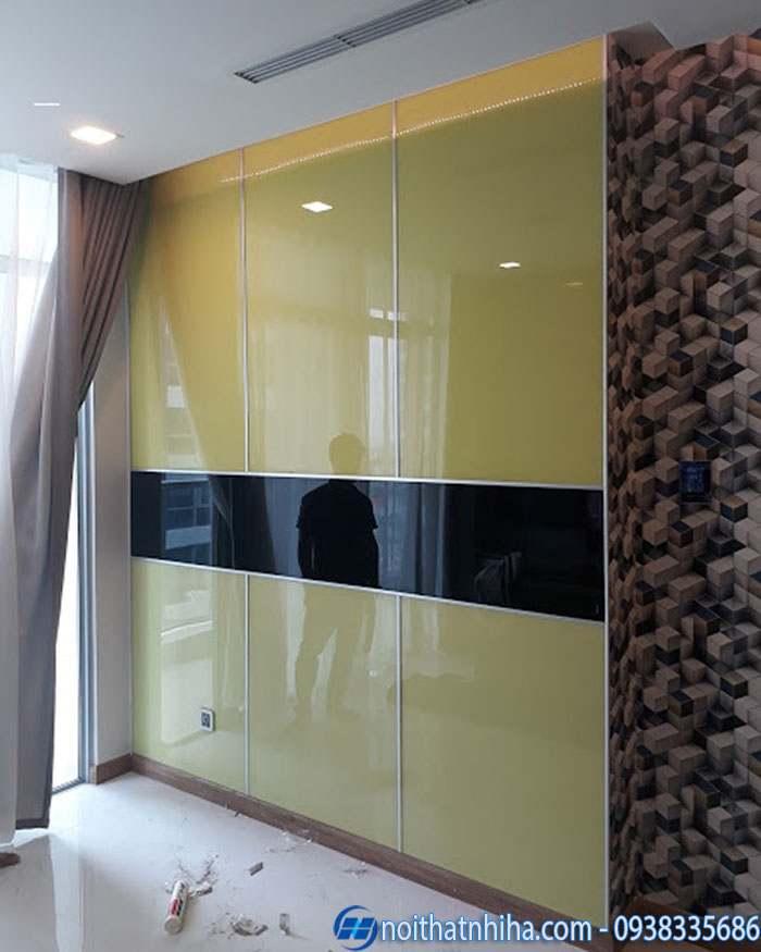 kính màu ốp tường trang trí
