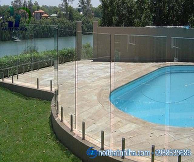 lan can kính bể bơi