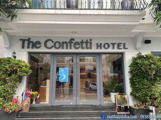 Mẫu cửa kính khách sạn đẹp