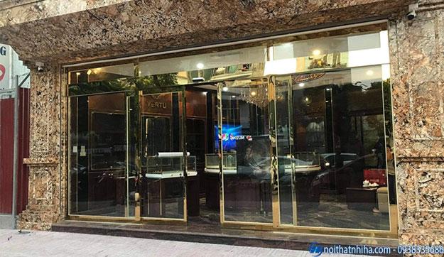 Cửa kính khách sạn lắp cảm biến tự động