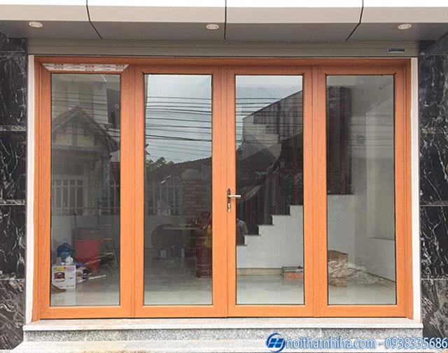 Cửa nhôm Hyundai màu vân gỗ
