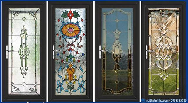 Mẫu cửa nhôm kính in khắc hoa văn đẹp nghệ thuật