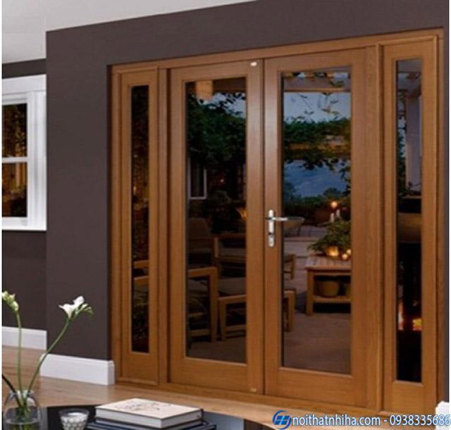 Cửa kính khung sắt 2 cánh sơn màu gỗ