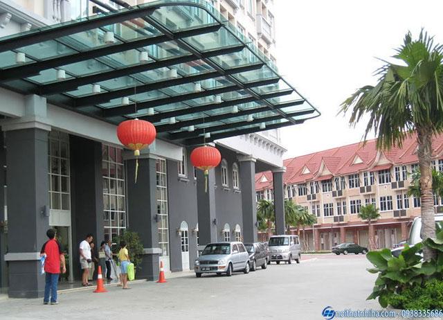Mái kính lắp đặt cho tòa nhà cao tầng đẹp