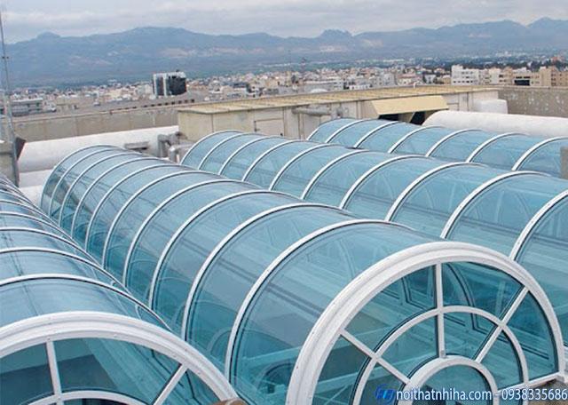 Mái vòm bằng tấm lợp polycarbonate đặc ruột