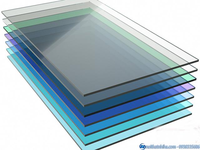 Tấm polycarbonate đặc ruột 2mm