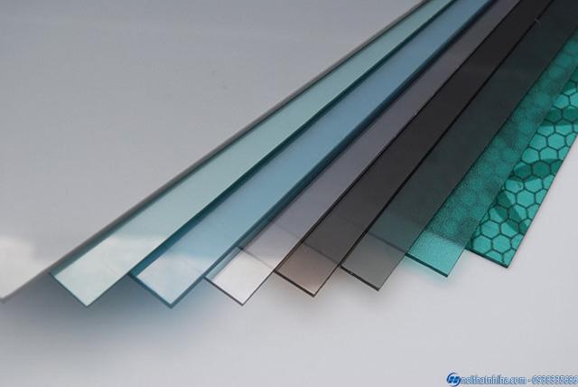 Tấm polycarbonate đặc ruột 3mm